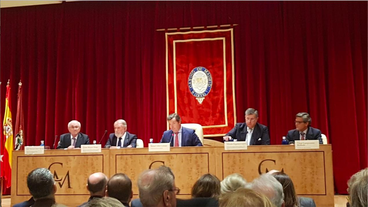 El presidente Otero Novas y Alfredo Dagnino en el Casino de Madrid